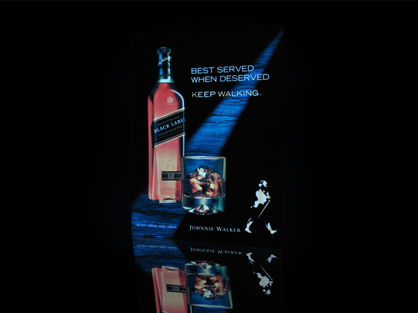 poster-electroluminiscente-black-label-cuadro-visual-marketing-pop-publicidad-luces-leds-venta-lima-peru-