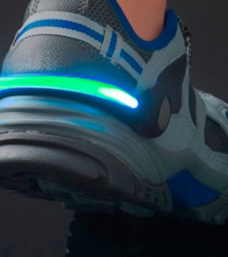 leds-para-zapatillas-accesorio-son-led-para-deporte-correr-maraton-merchandising-logo-marca-tendencia-personalizado