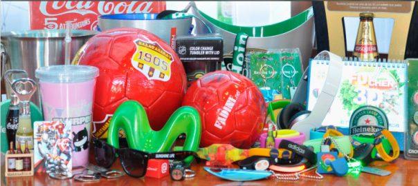 merchandising-marcas-logos-publicidad-creativo-articulos-novedades-llaveros-tomatodos-luces-botellas-baldes-pelotas-pulseras-usb-cerveza-creativoepm