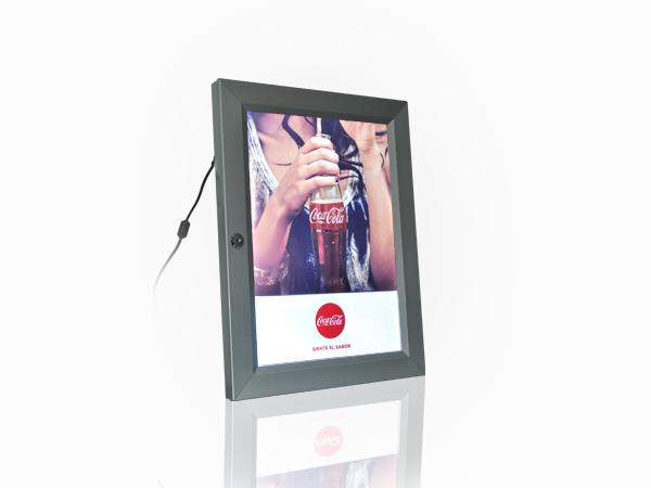 caja-caja-de-luz-caja-de-luz-led-creativo-merchandising-publicidad-creativoepm-publicidad-btl-coca-cola-acuatica-