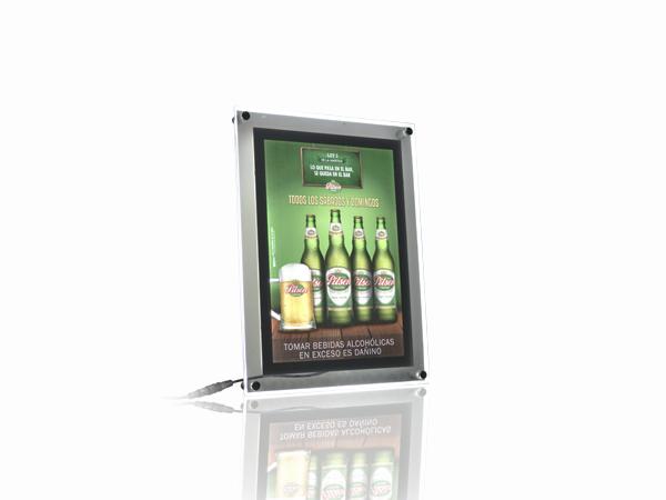 caja-cajadeluz-caja-de-luz-led-creativo-merchandising-publicidad-creativoepm-publicidad-btl-pilsen-