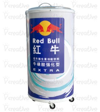 cooler-RED-BULL-CON-RUEDAS-DESPLAZABLE-EN-FORMA-DE-CILINDRO-MERCHANDING-POP-2
